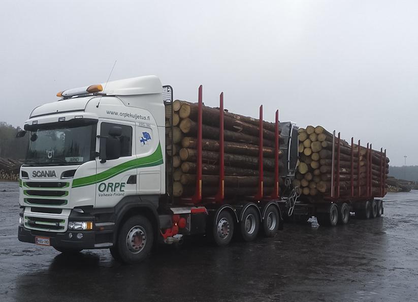 76 tonnin puutavarayhdistelmä.